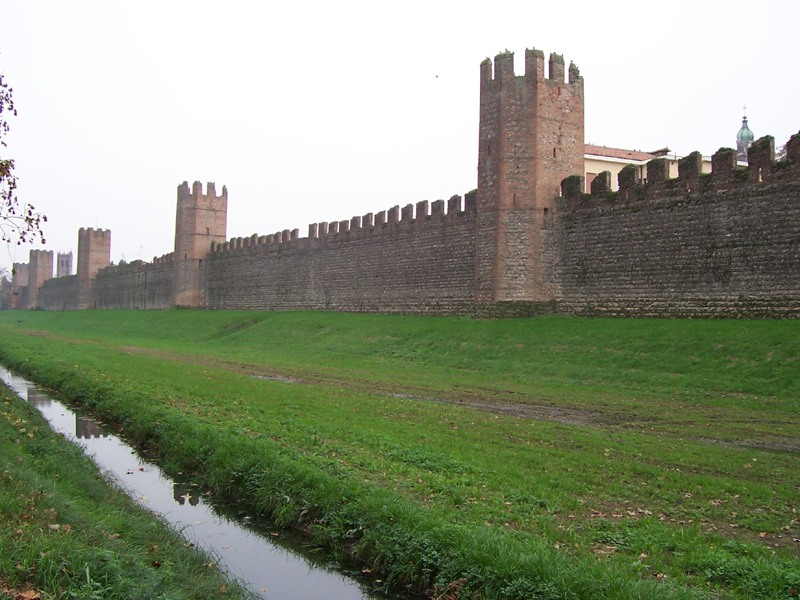 walls of italy