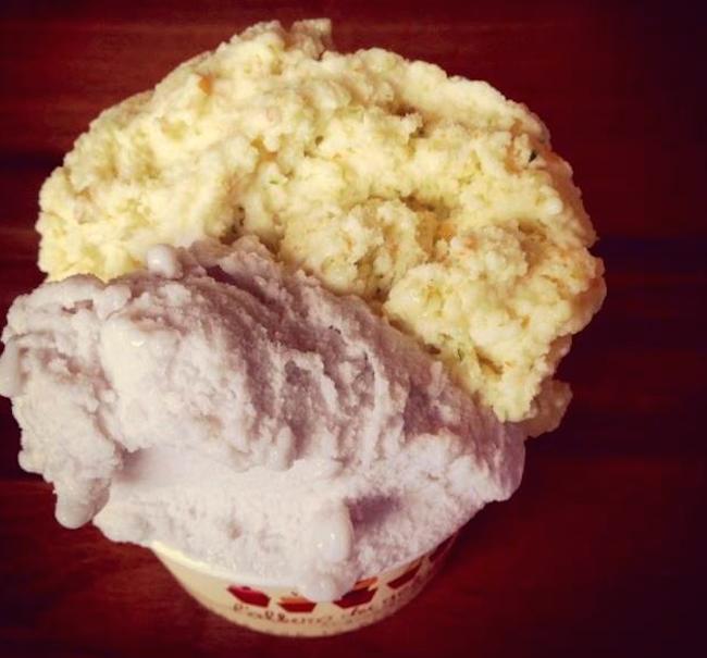 gelato serving