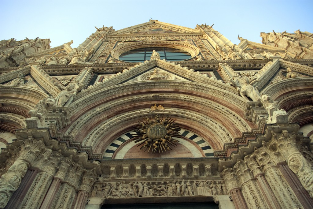 The amazing entrance of the Siena cathedral.