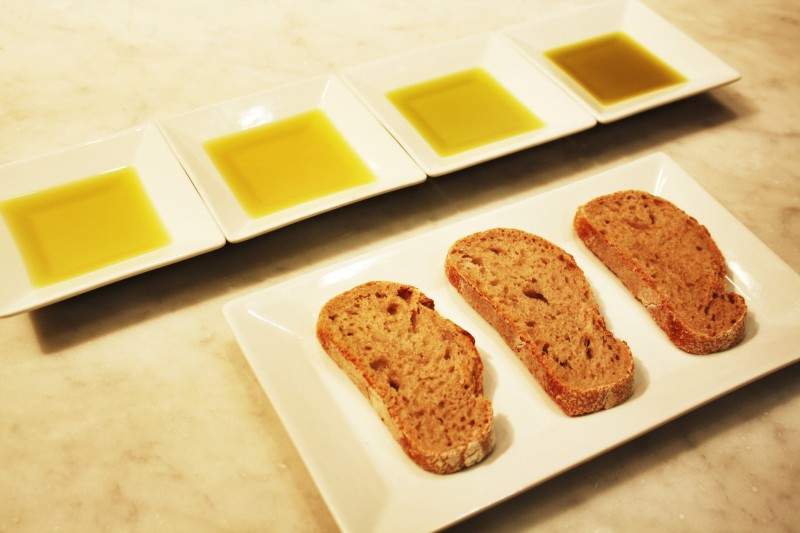 Olive oil tasting (credits: Eataly)