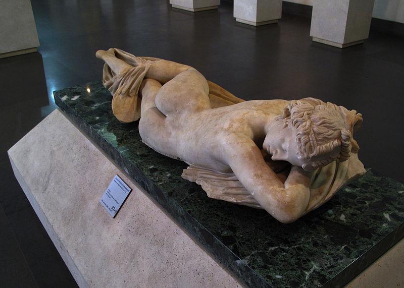 800px-Ermafrodito_dormiente,_Museo_Nazionale_Romano