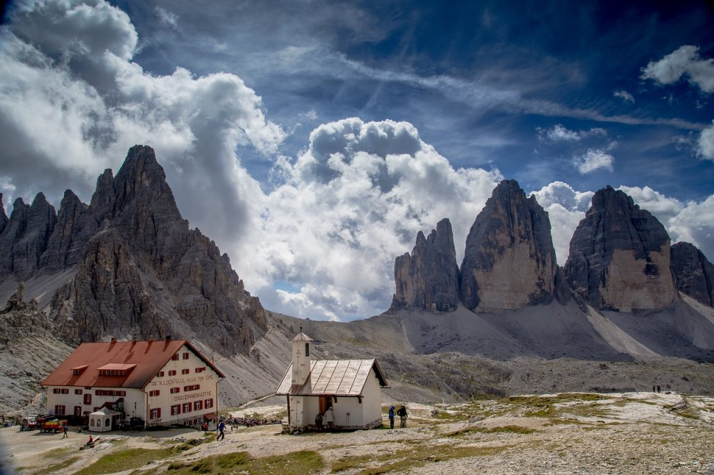 Top destinations for hiking in italy select italy travel for Immagini spettacolari per desktop