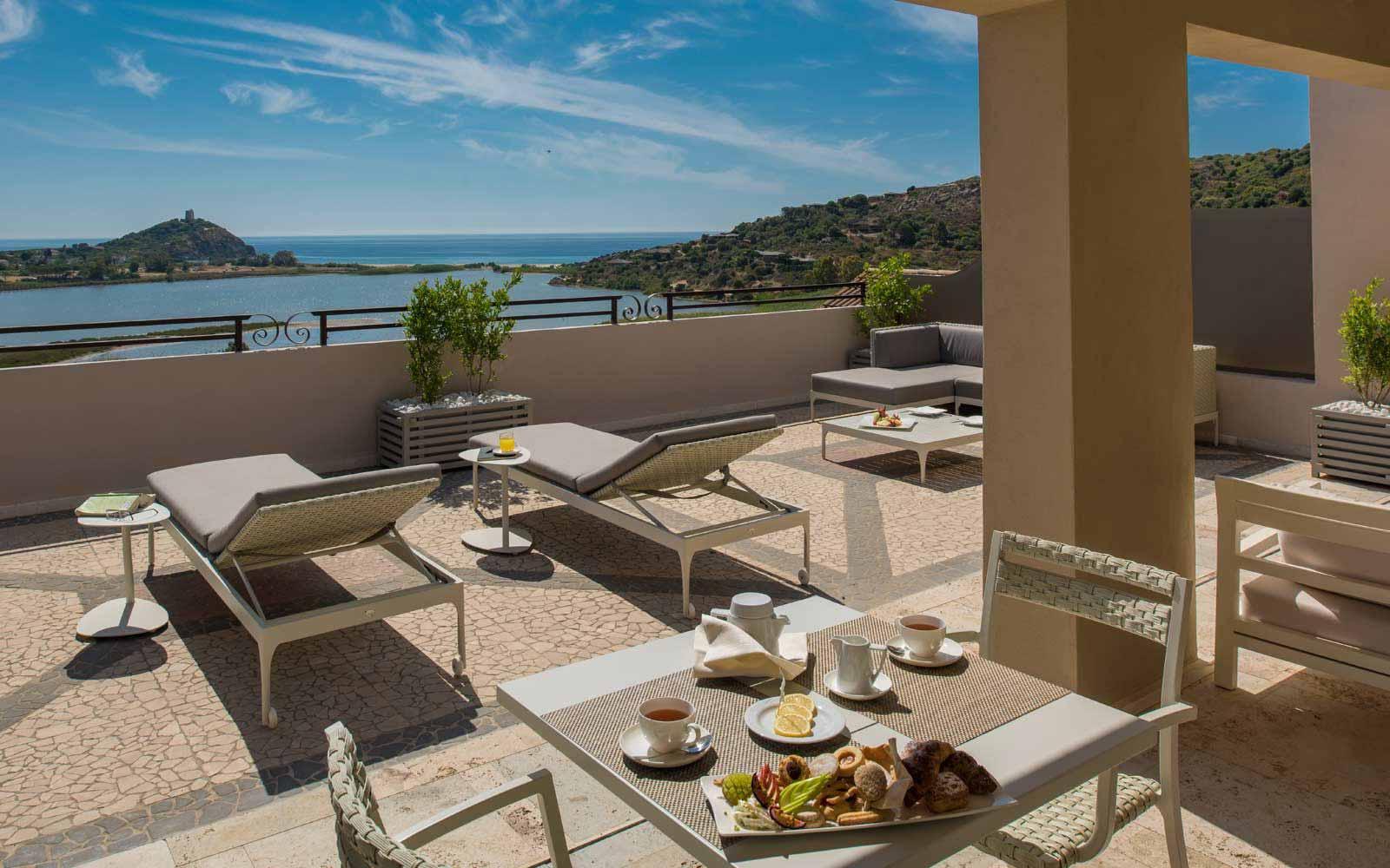 Natural Prestige Suite Terrace at Hotel Laguna