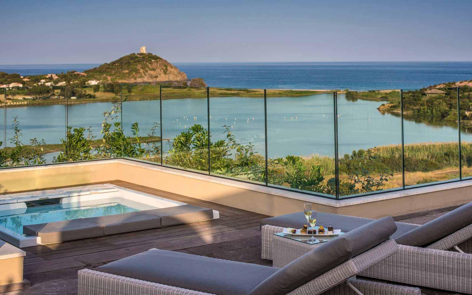 Luxury Panorama Suite Terrace at Hotel Laguna