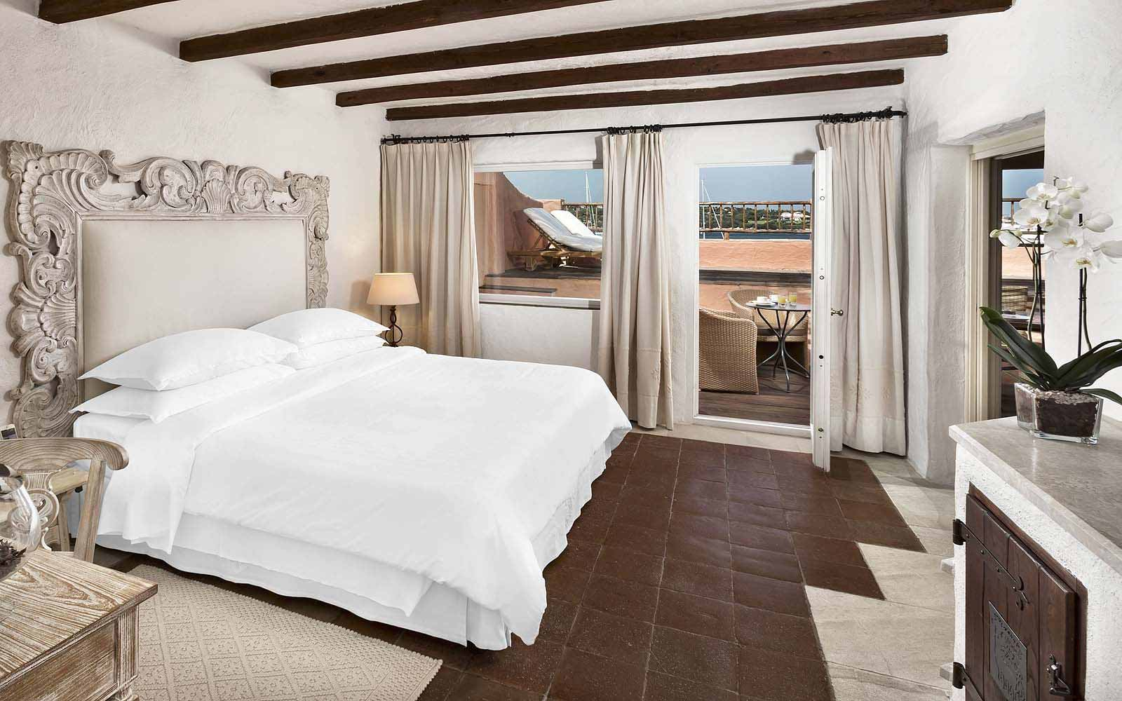 Signature Suite Bedroom at the Hotel Cervo