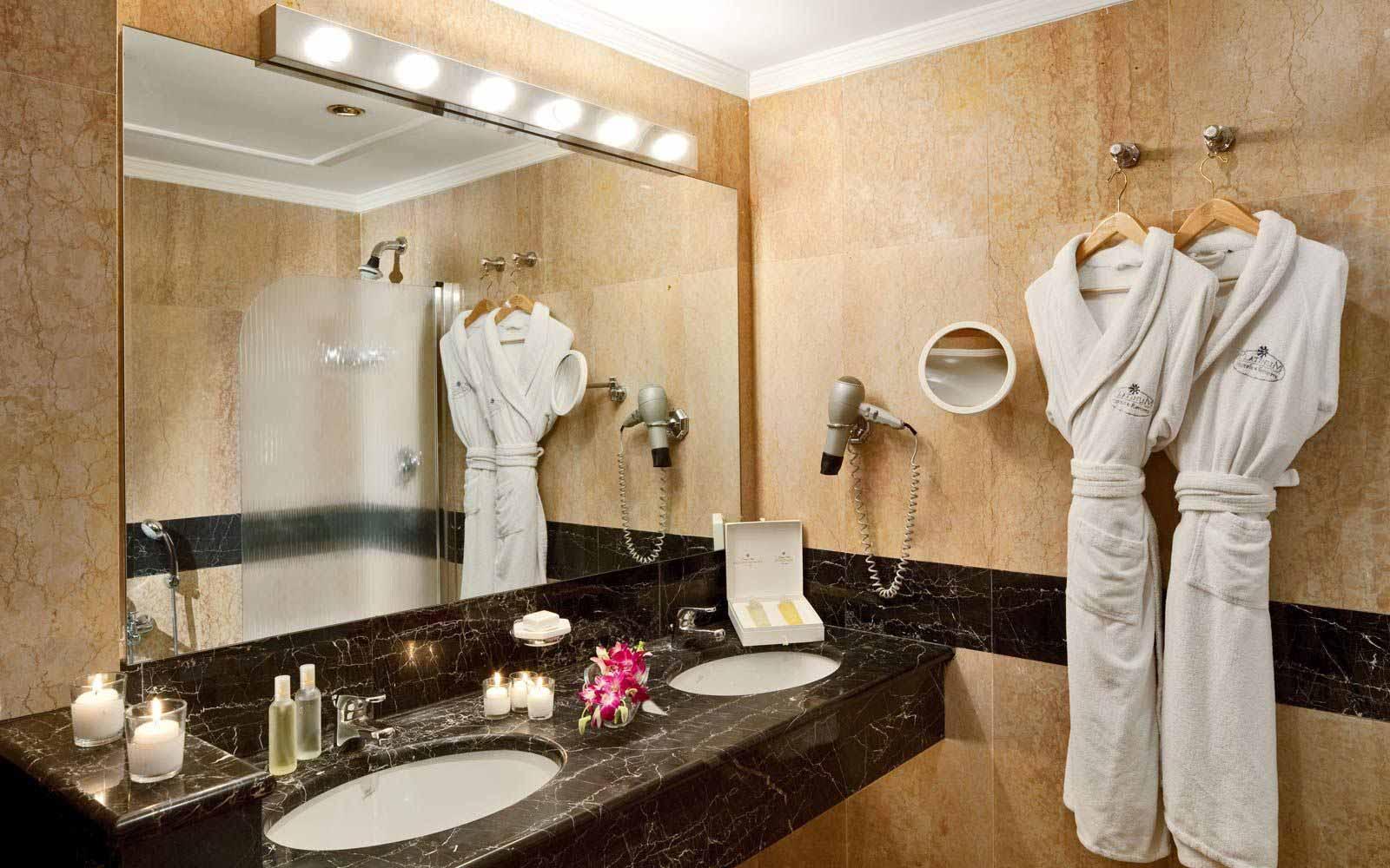 Bathroom at Grand Hotel Mazzaro Sea Palace