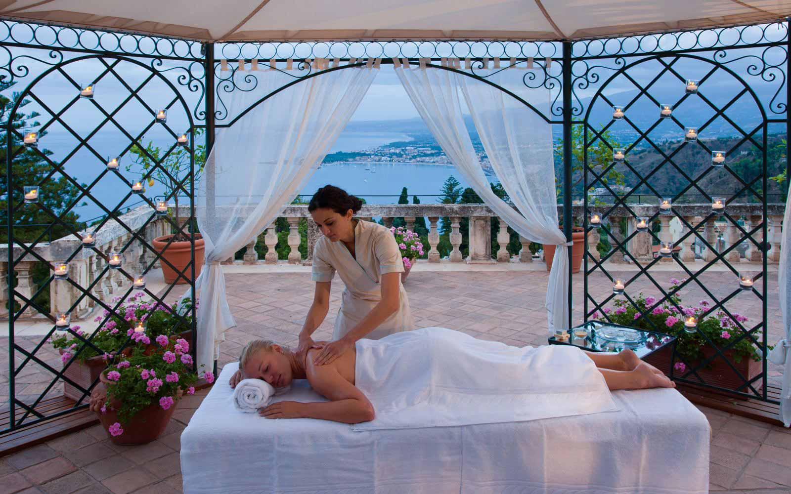 Open air massage at  Grand Hotel Timeo