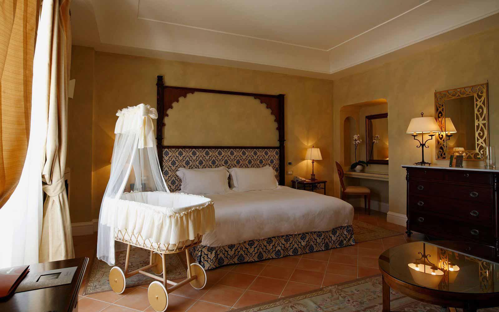 Family room at Hotel Giardino di Costanza