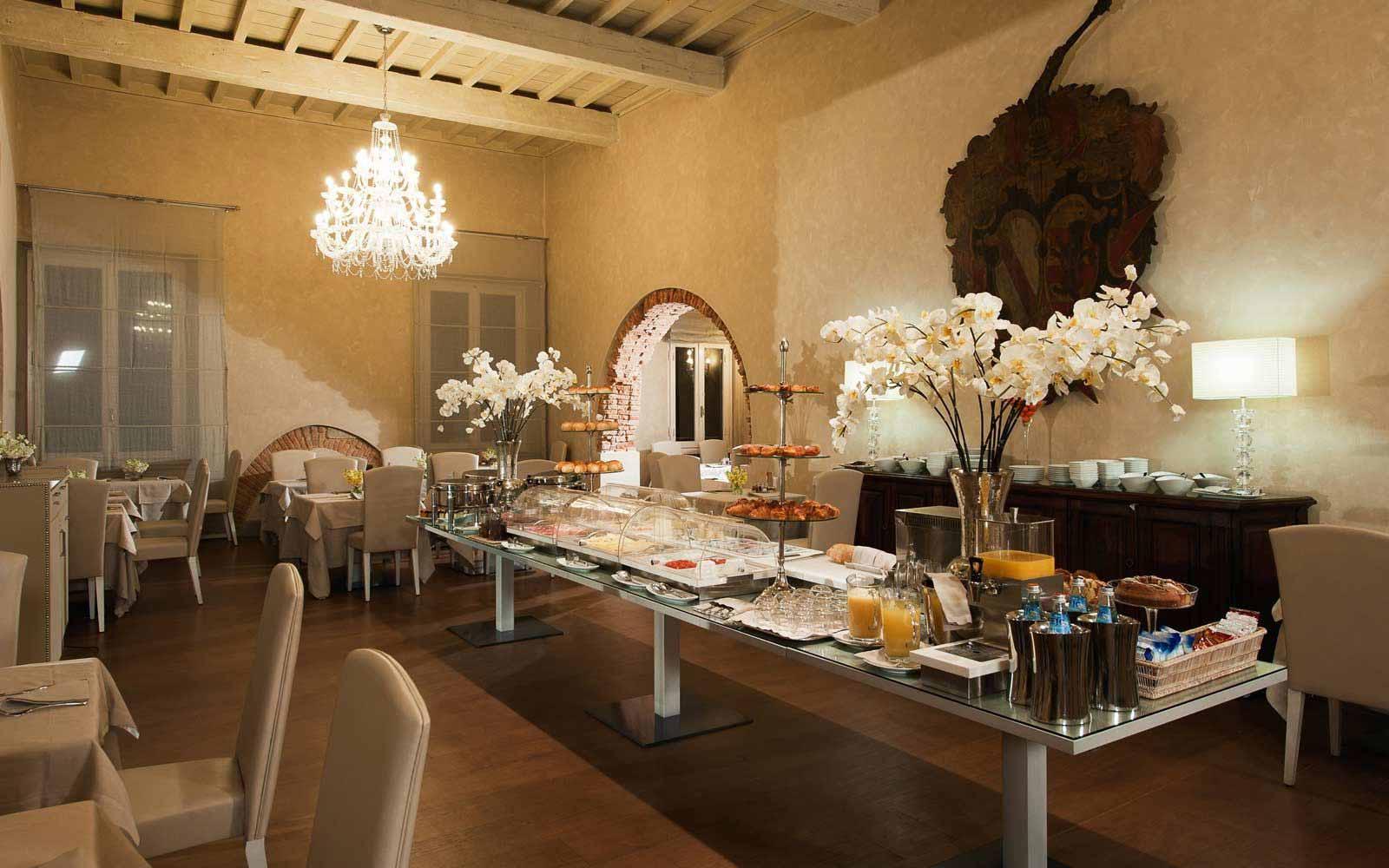 Breakfast buffet at Hotel Brunelleschi