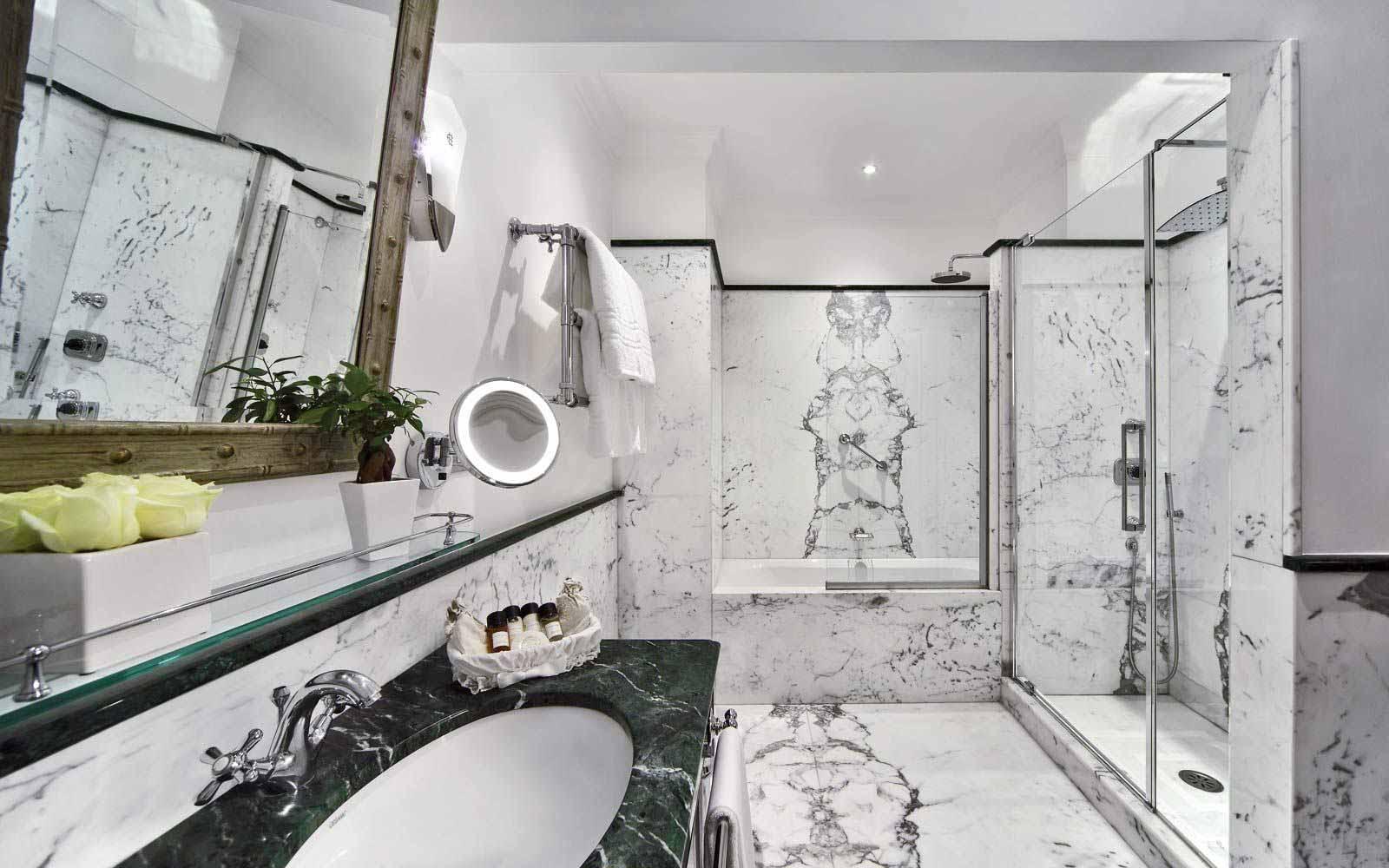 Marble bathroom at Hotel Eden