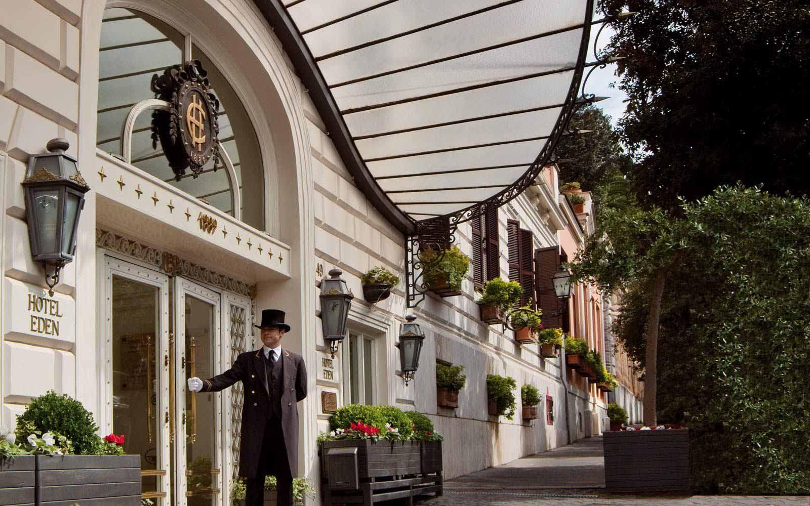 Entrance to Hotel Eden