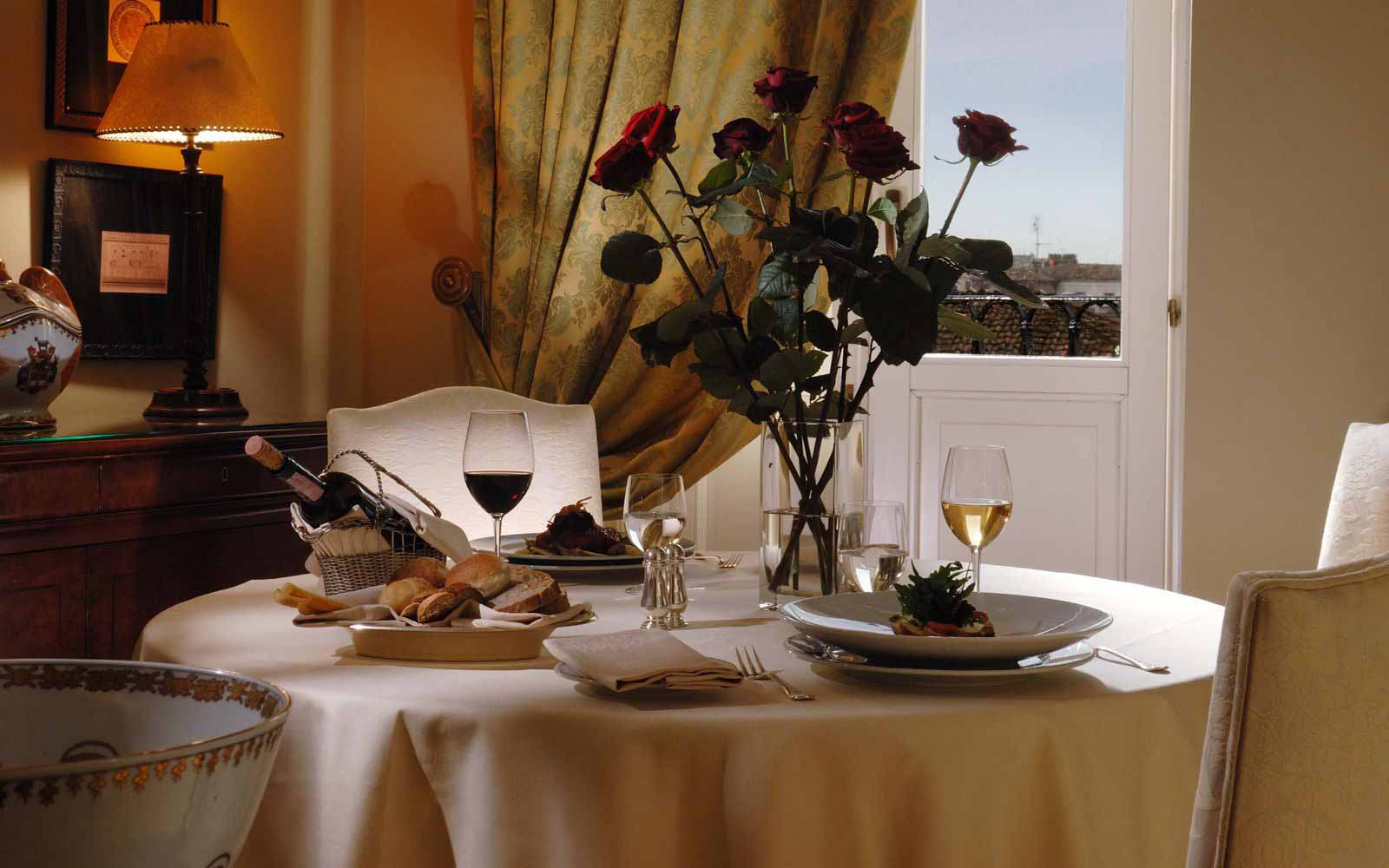 Room service at Hotel Eden