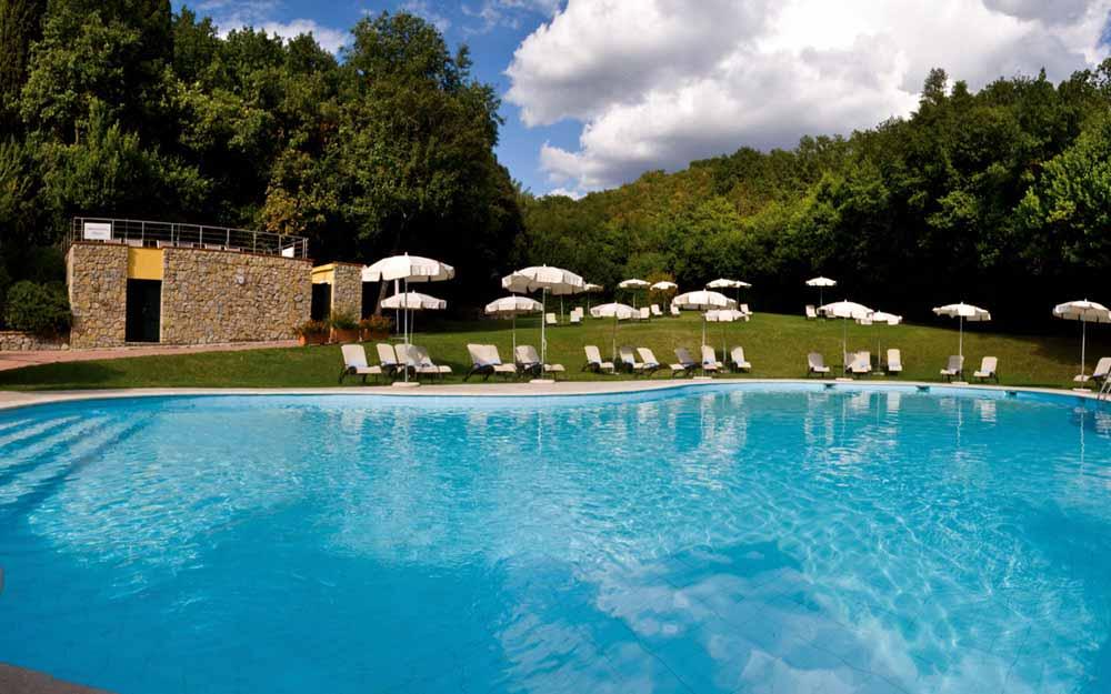 Swimming pool at Grotta Giusti