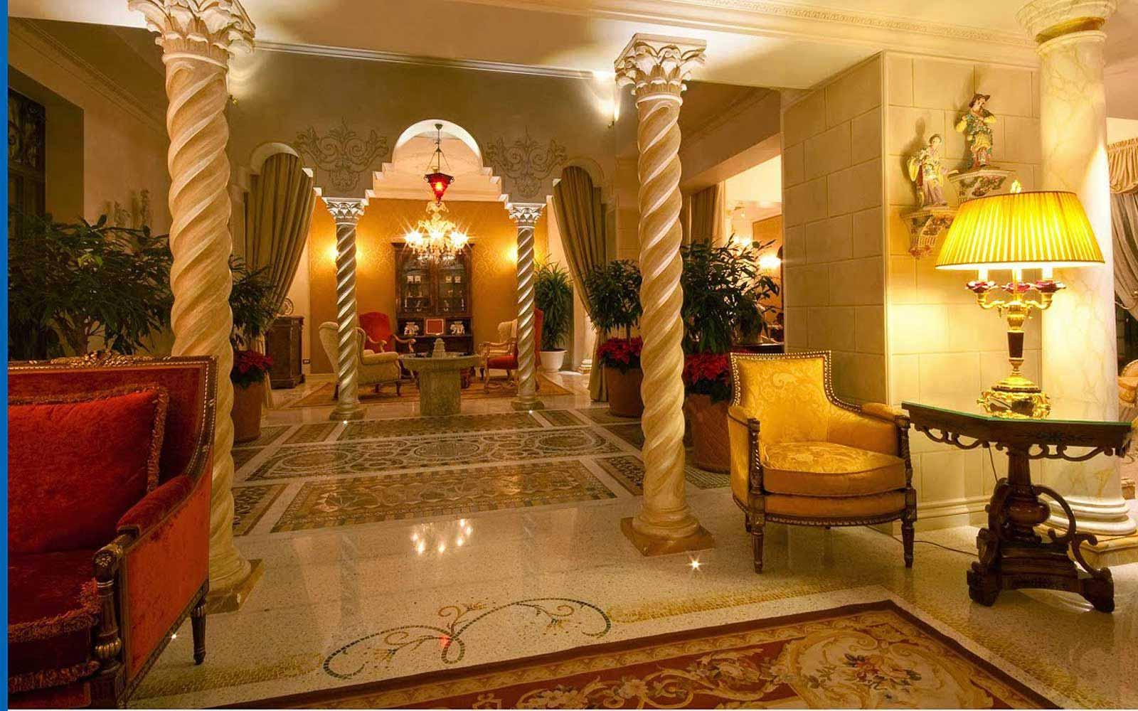 Lobby at Villa e Palazzo Aminta