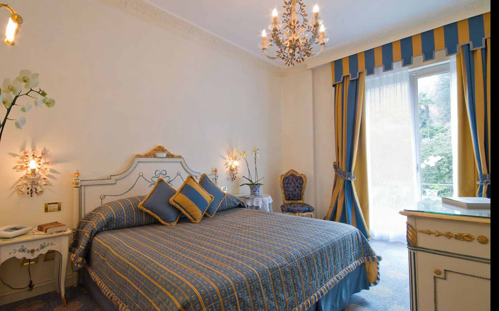 Deluxe room at Villa e Palazzo Aminta