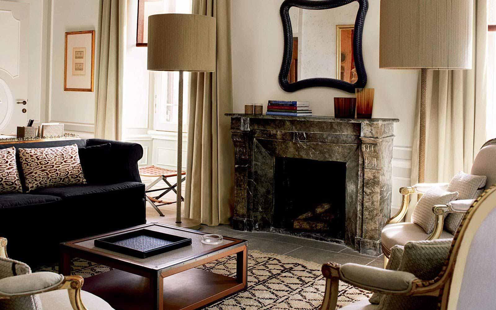 La Bottega Veneta suite living room at St.Regis Grand Hotel