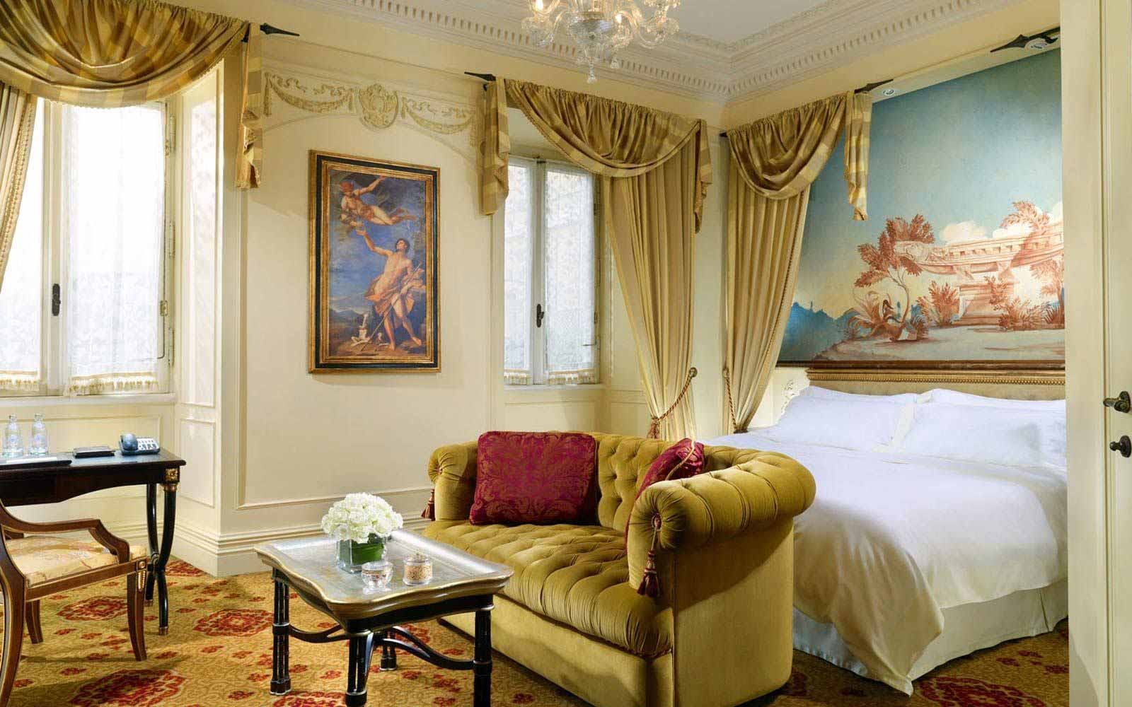 Deluxe room at St.Regis Grand Hotel