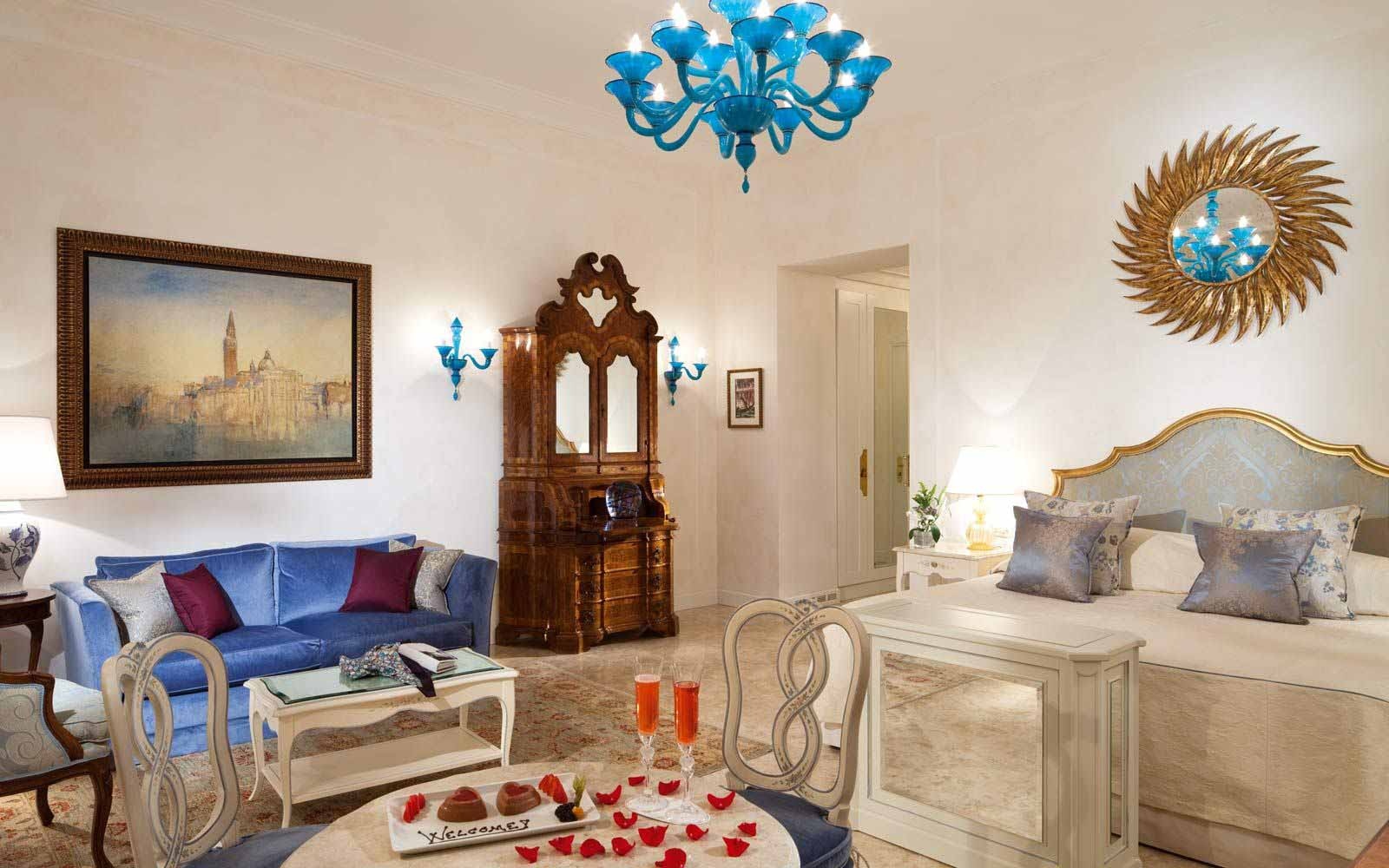 Junior suite at Belmond Hotel Cipriani