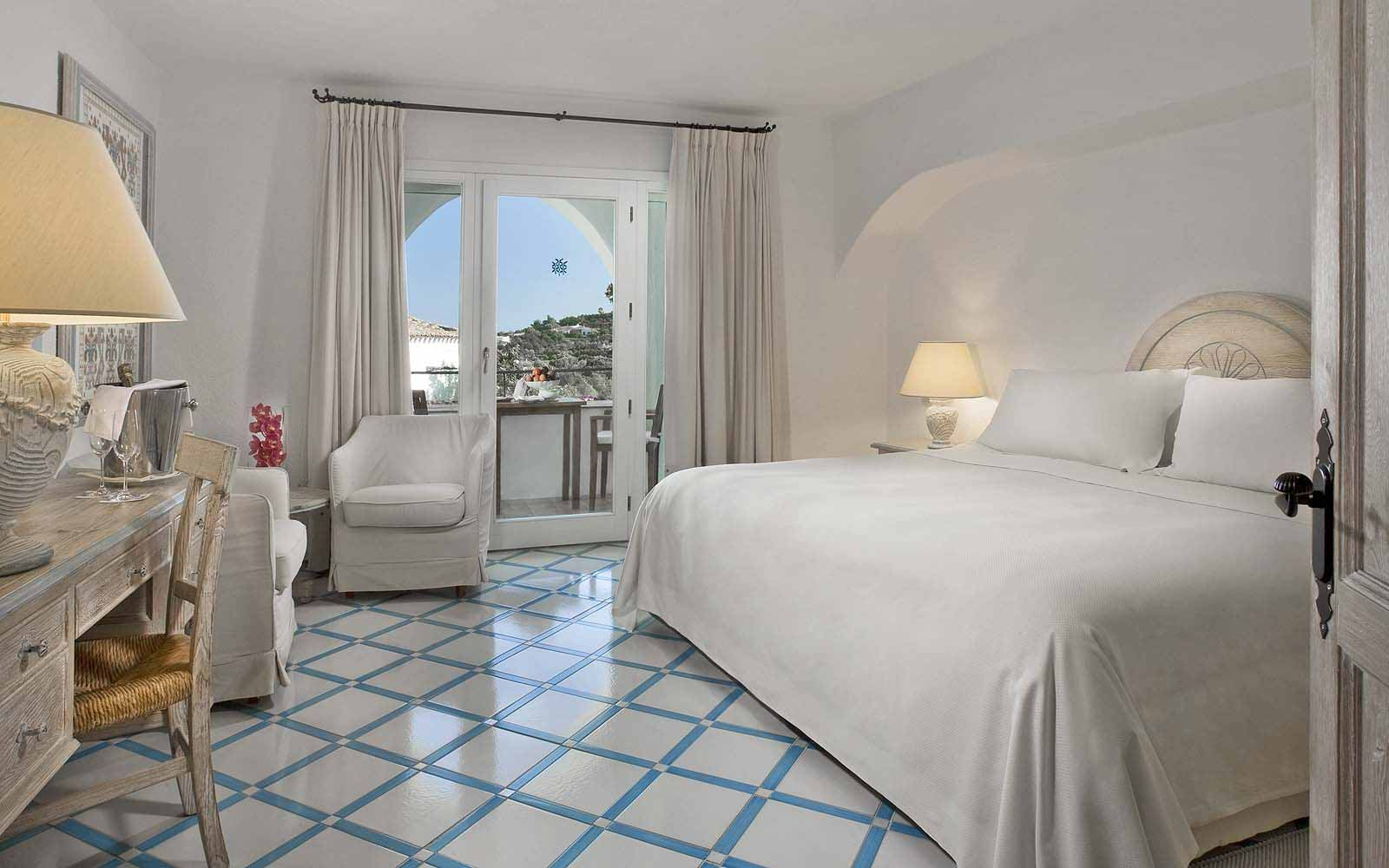 A Classic Room at the Hotel Romazzino