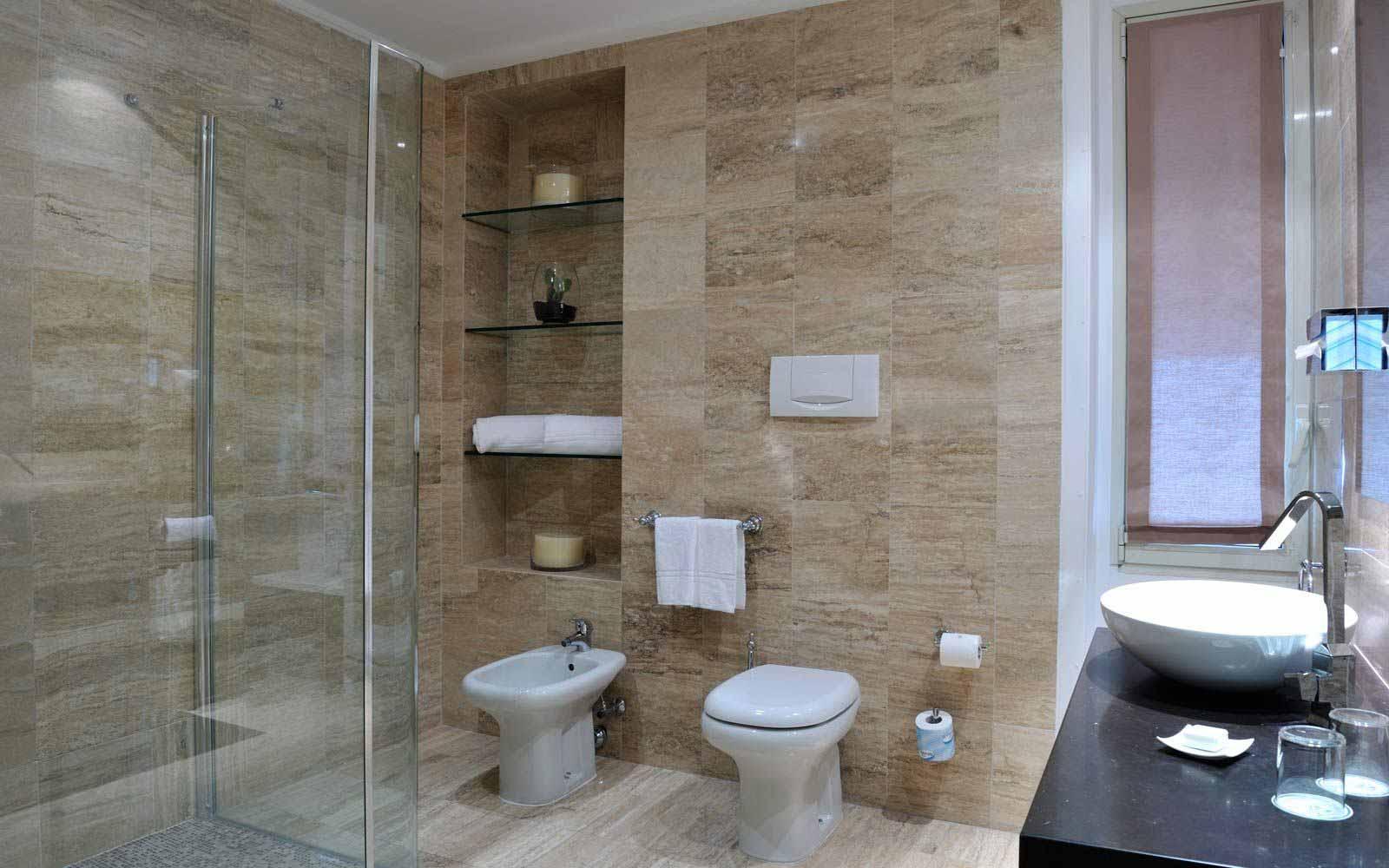 Junior suite bathroom at Hotel Principe Di Villafranca