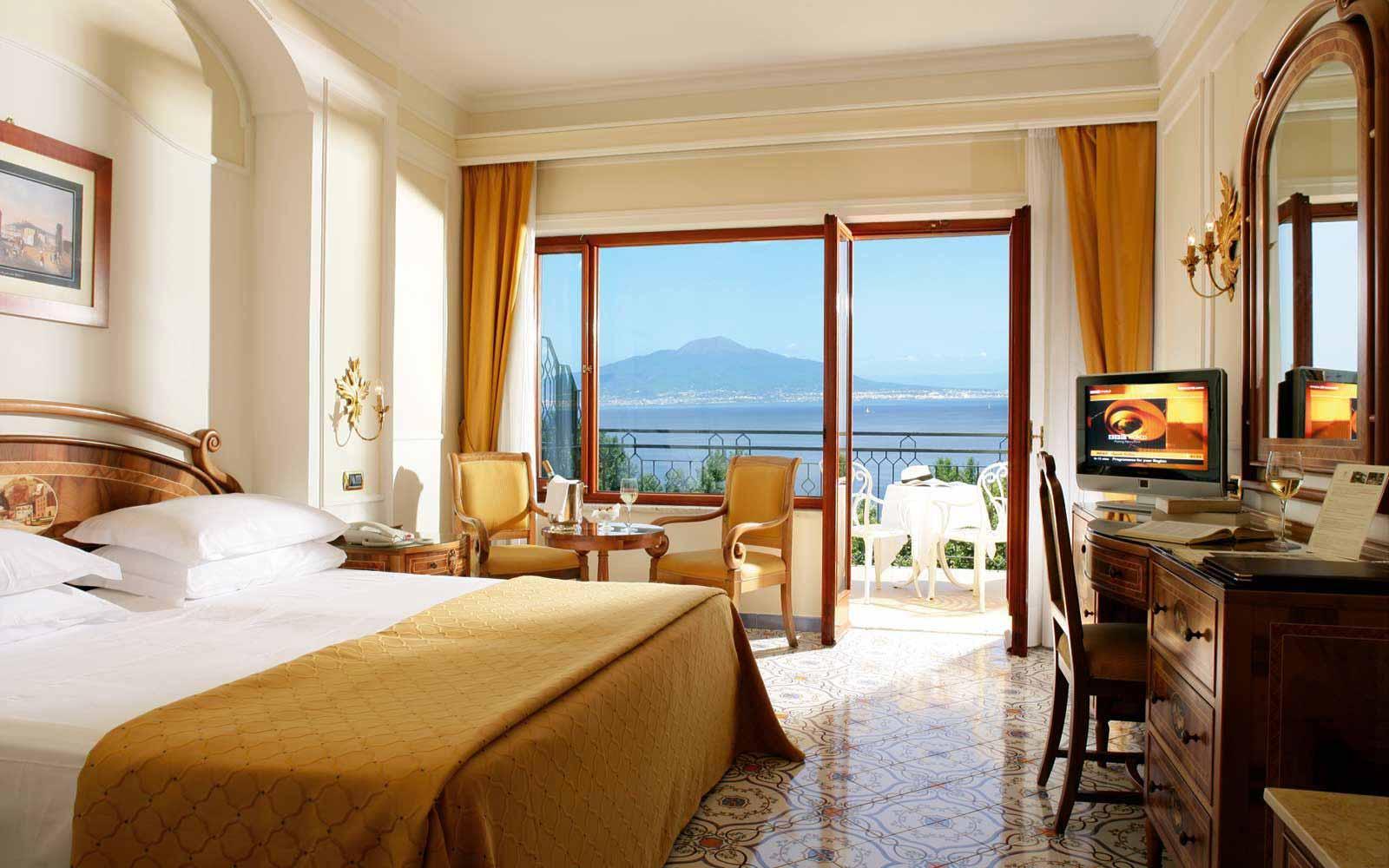 Standard sea view room at Grand Hotel de la Ville