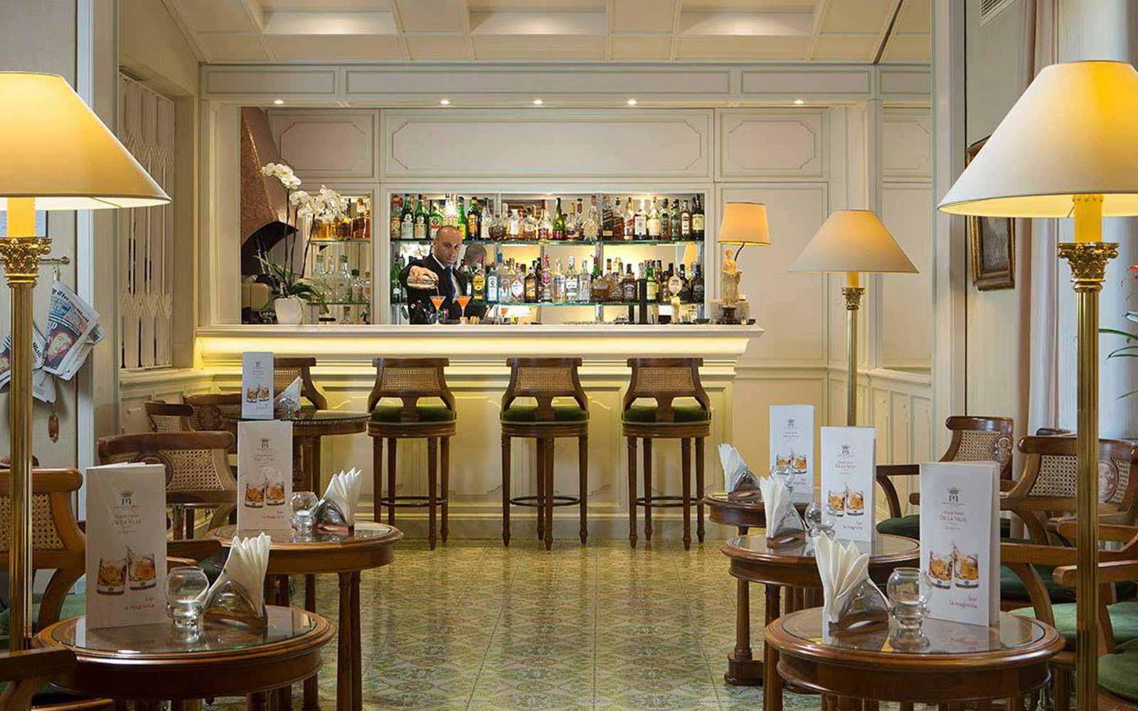 La Magnolia bar at Grand Hotel de la Ville