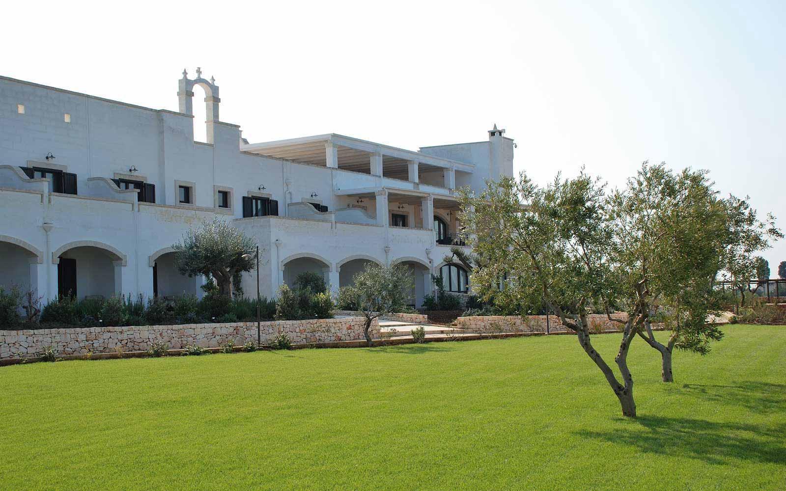 Exterior of the rooms at Borgobianco Resort & Spa