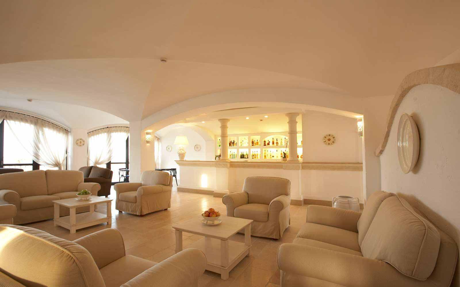 Bar lounge at Borgobianco Resort & Spa