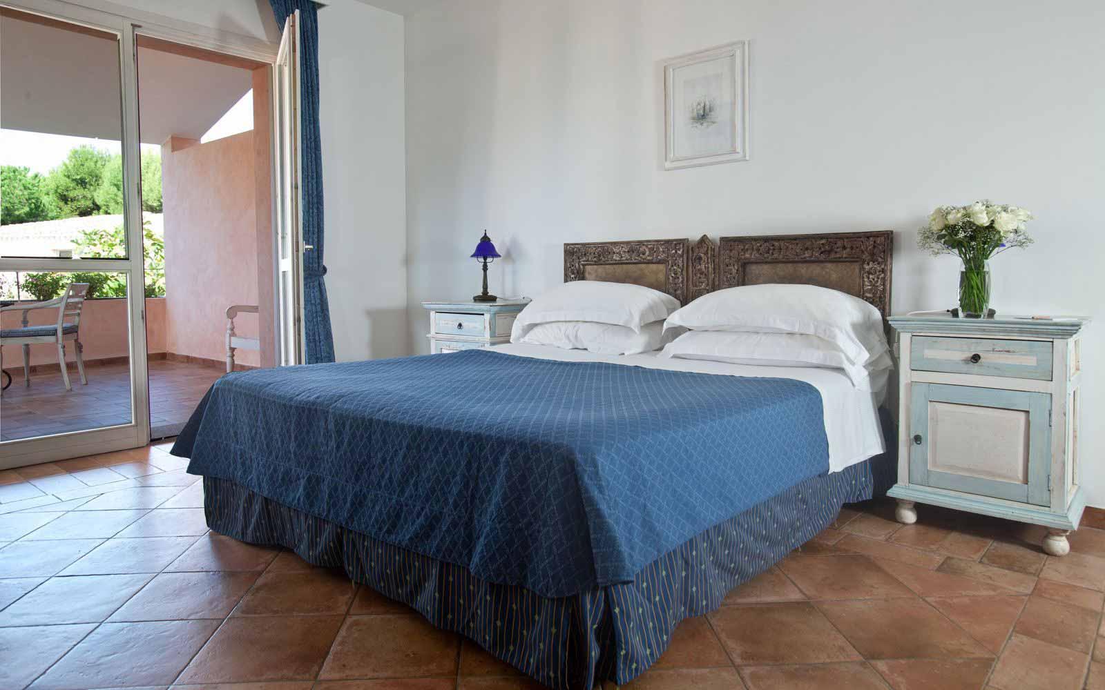 Comfort room at Hotel Cala Caterina