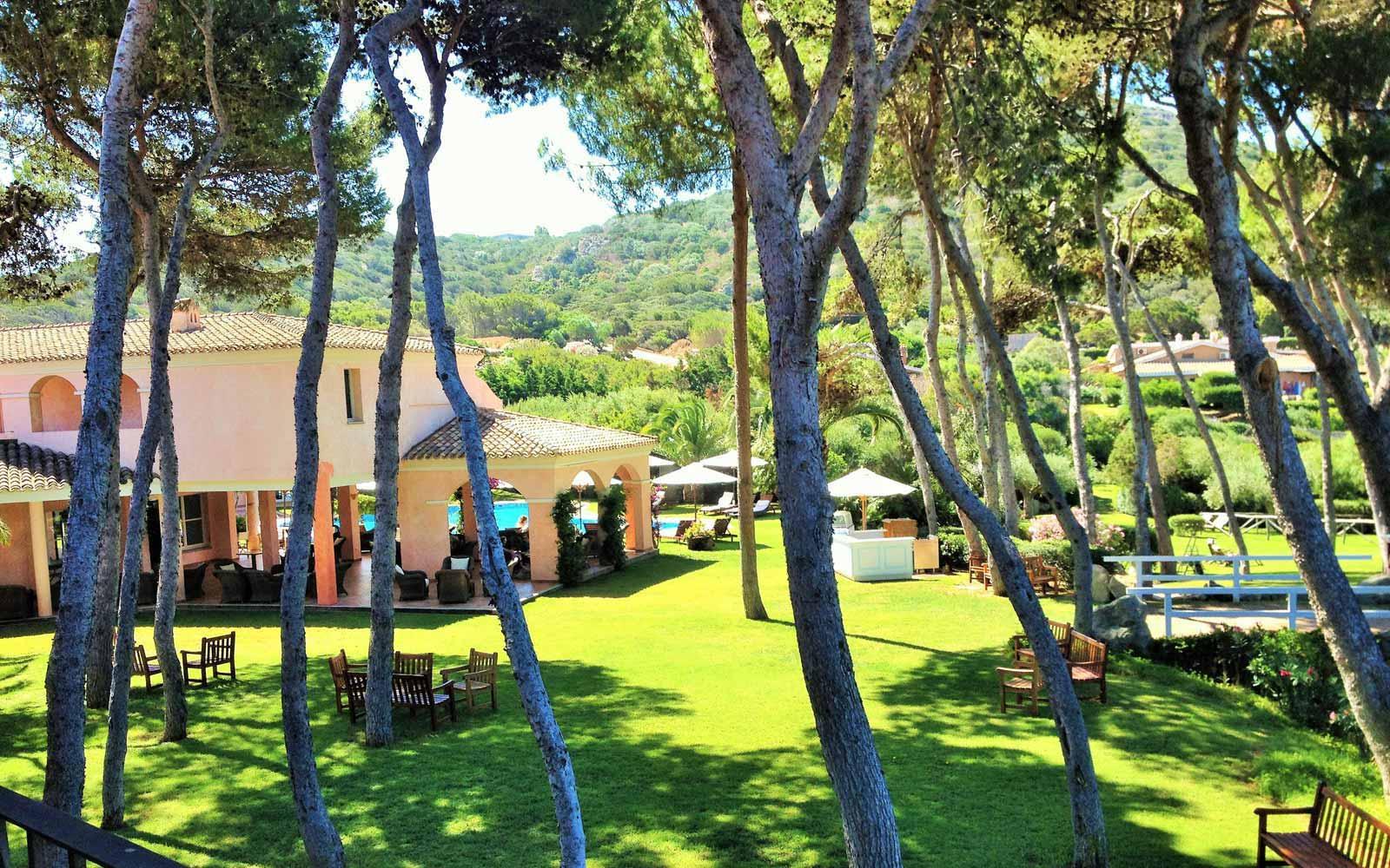 Lush and gardens at Hotel Cala Caterina