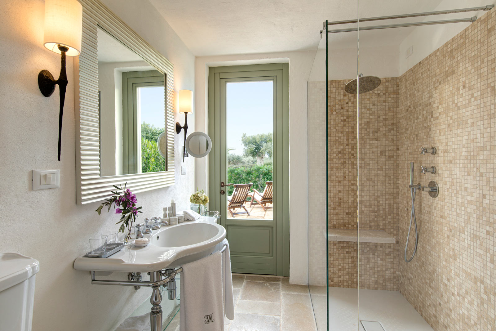 Masseria Torre Maizza Deluxe Room Bathroom