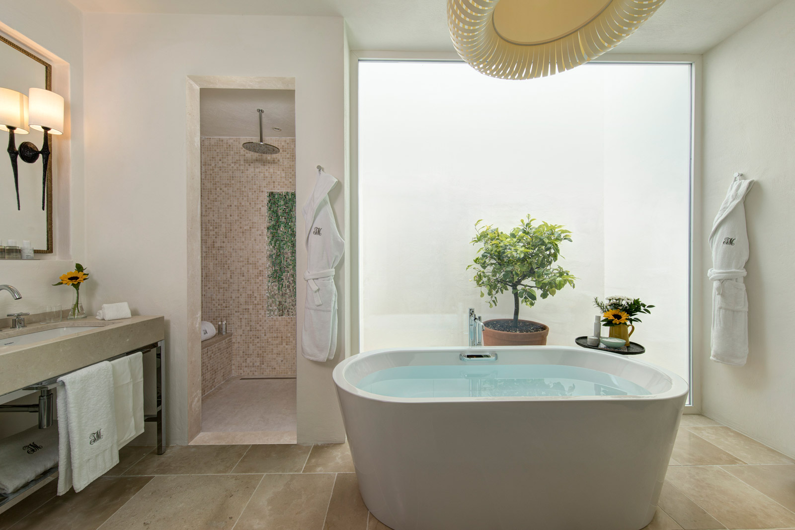 Masseria Torre Maizza Deluxe Junior Suite Bathroom