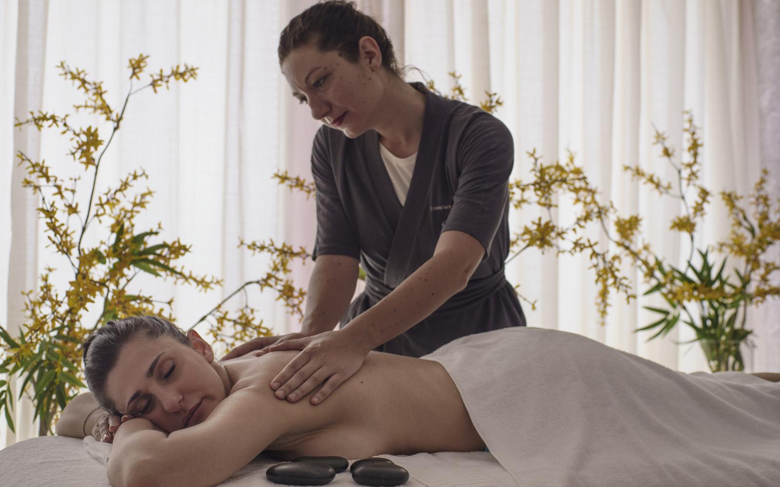 Wellness Centre Massage at Grand Hotel Atlantis Bay