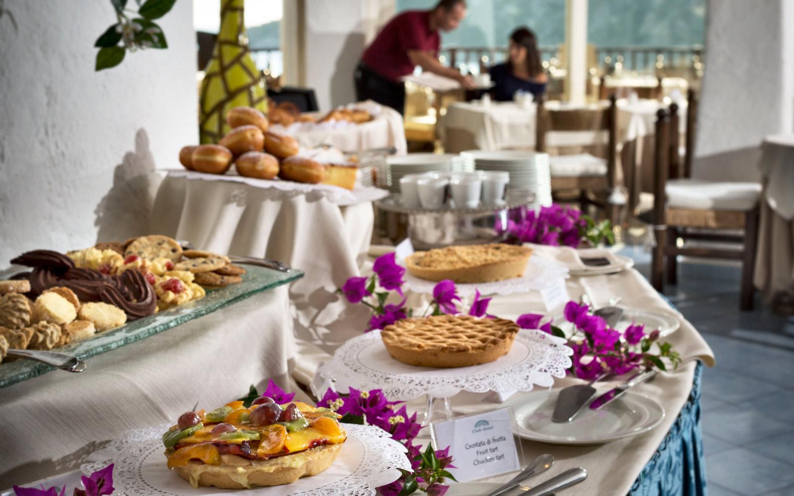 Breakfast Buffet - Club Hotel