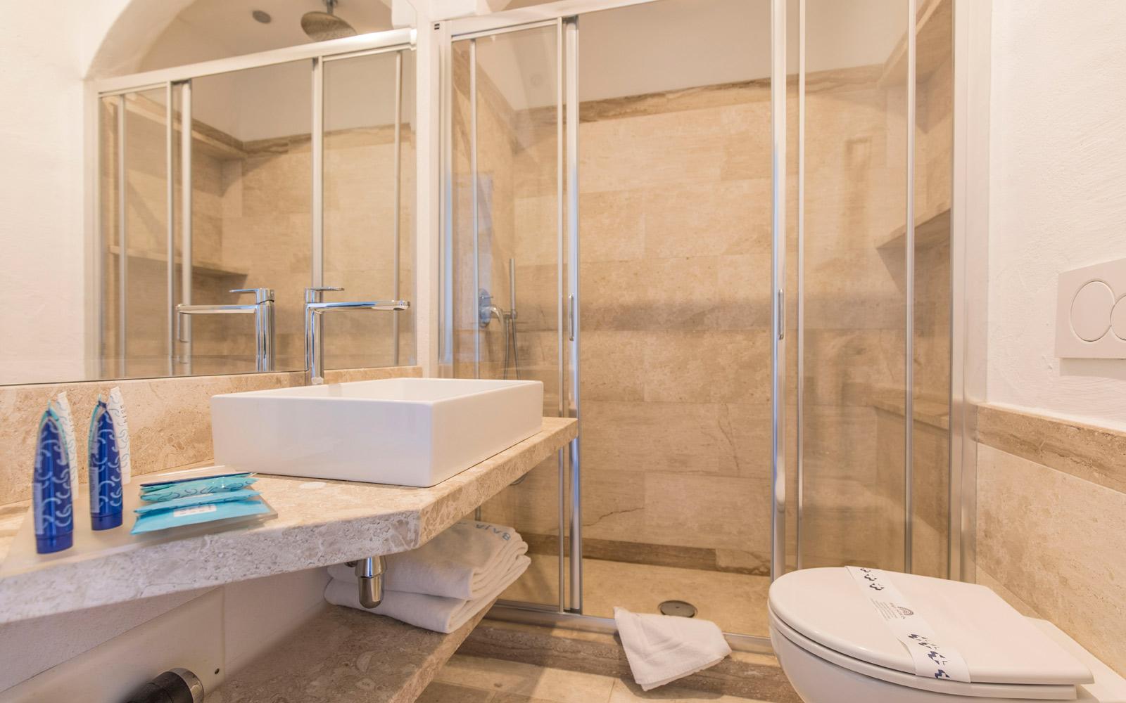 Room 224 Bathroom - Club Hotel