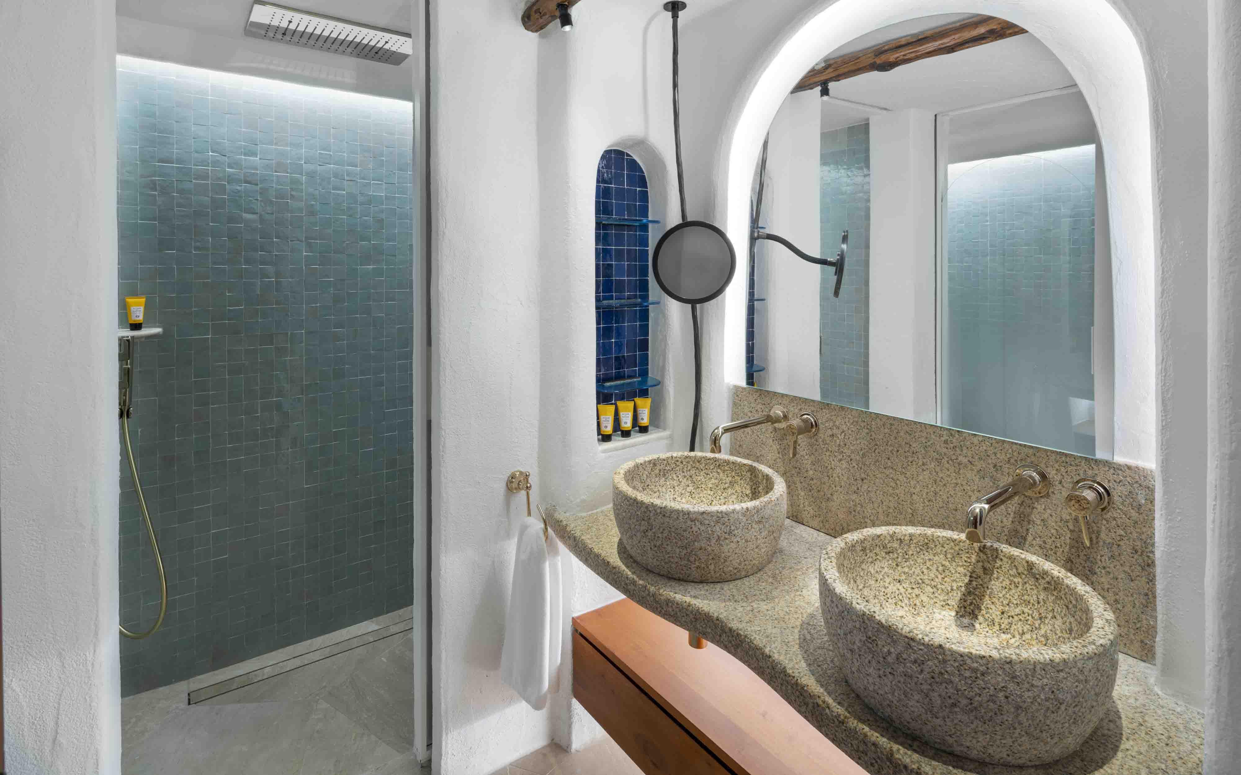 Hotel Cala Di Volpe  Superior Room Bathroom