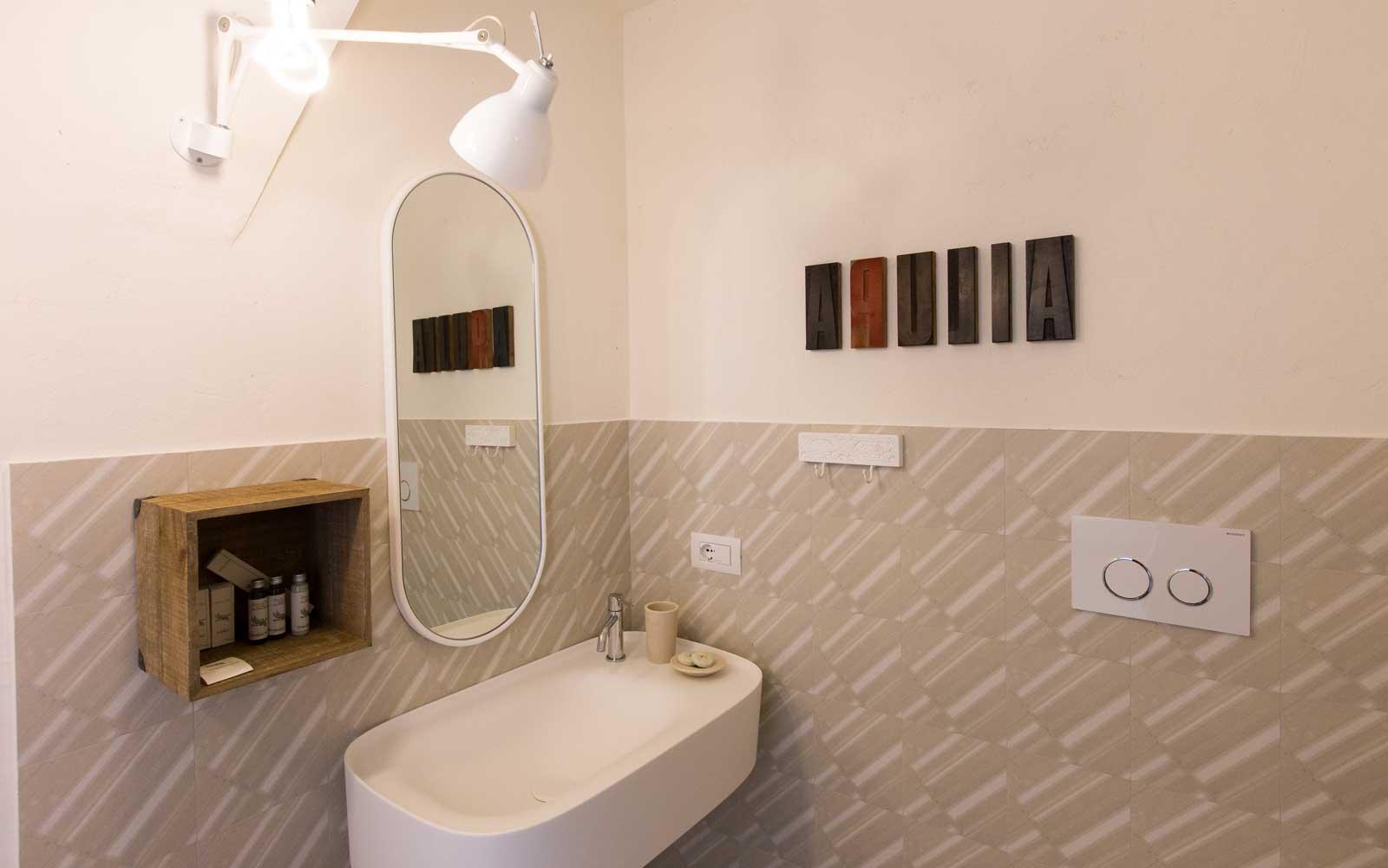 Classic Room Bathroom at Vinilia Wine Resort