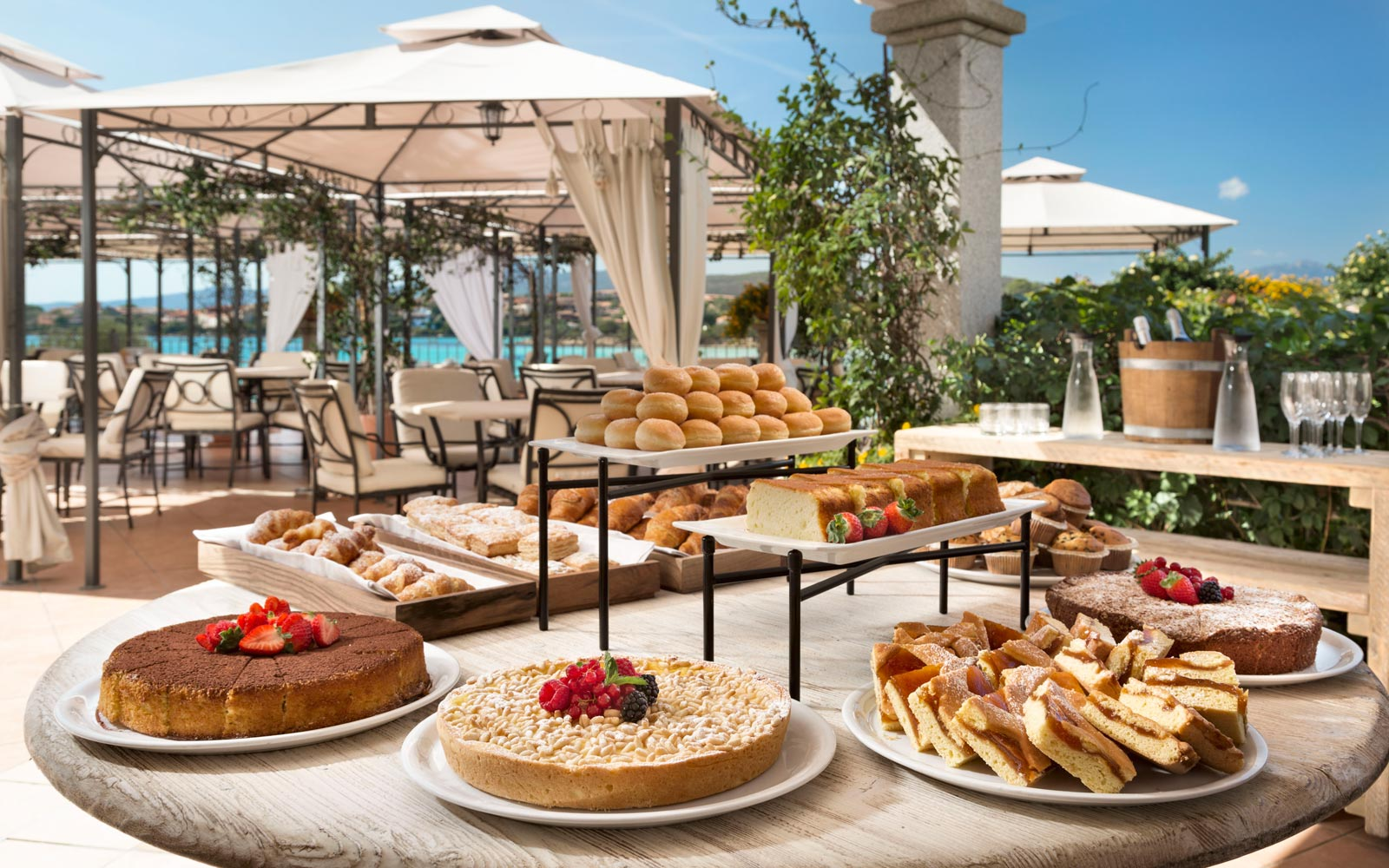 Breakfast at Gabbiano Azzurro Hotel & Suites