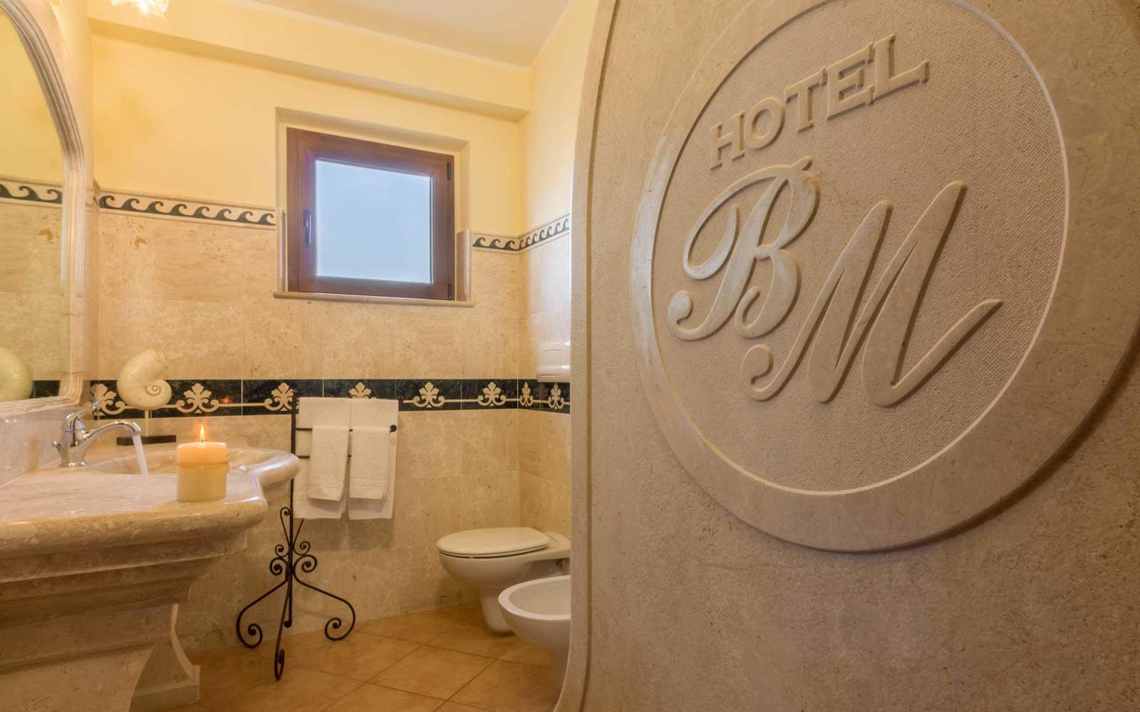 Grand Deluxe Bathroom at Hotel Brancamaria