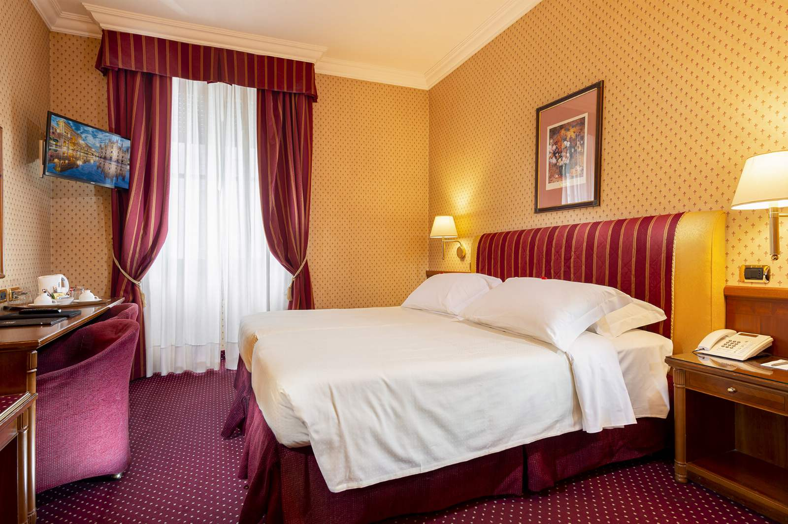 Hotel Berna: room / property / locale photo. Image 1