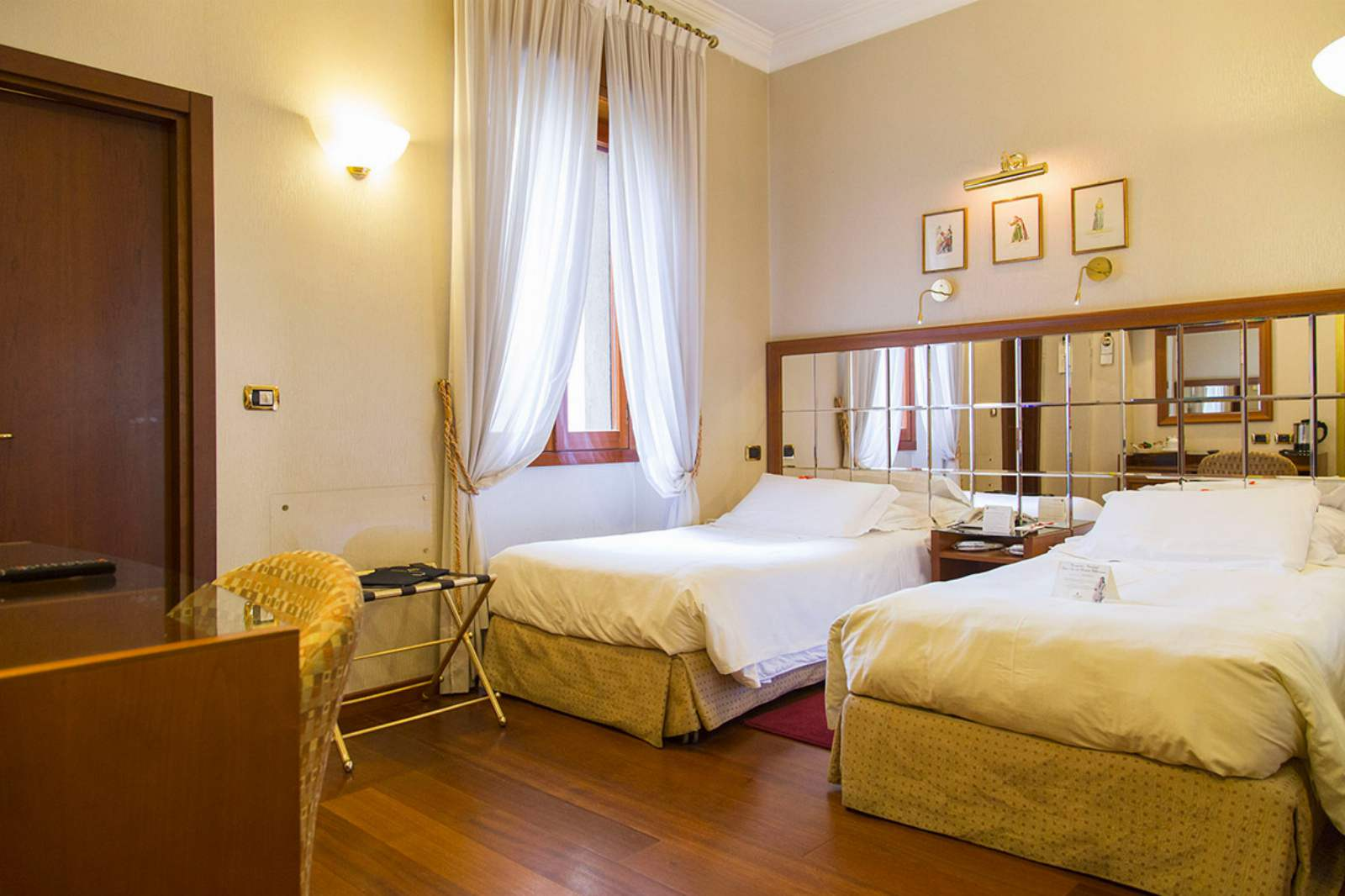 Hotel Berna: room / property / locale photo. Image 2
