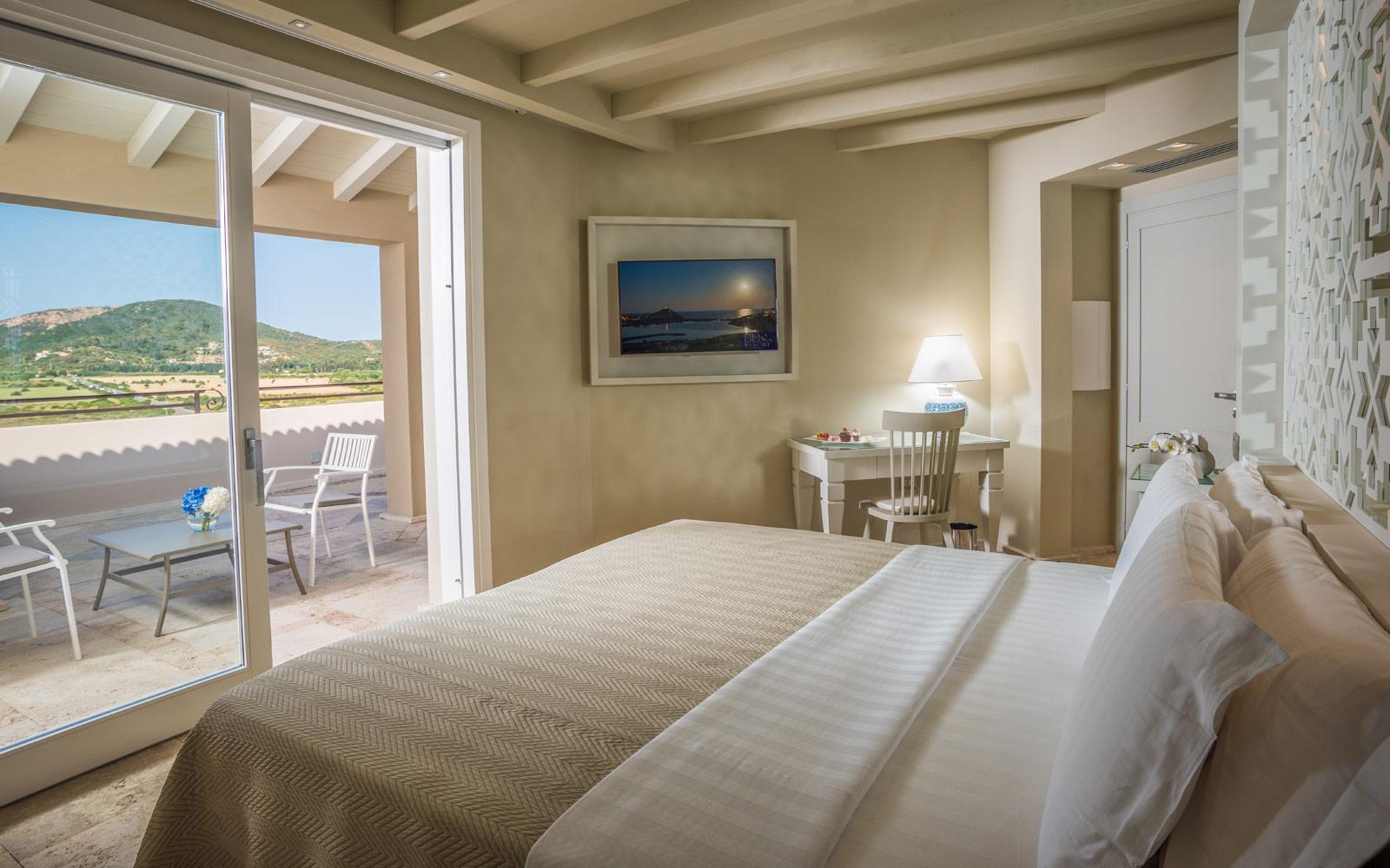 Natural Prestige Suite Bedroom at Hotel Laguna