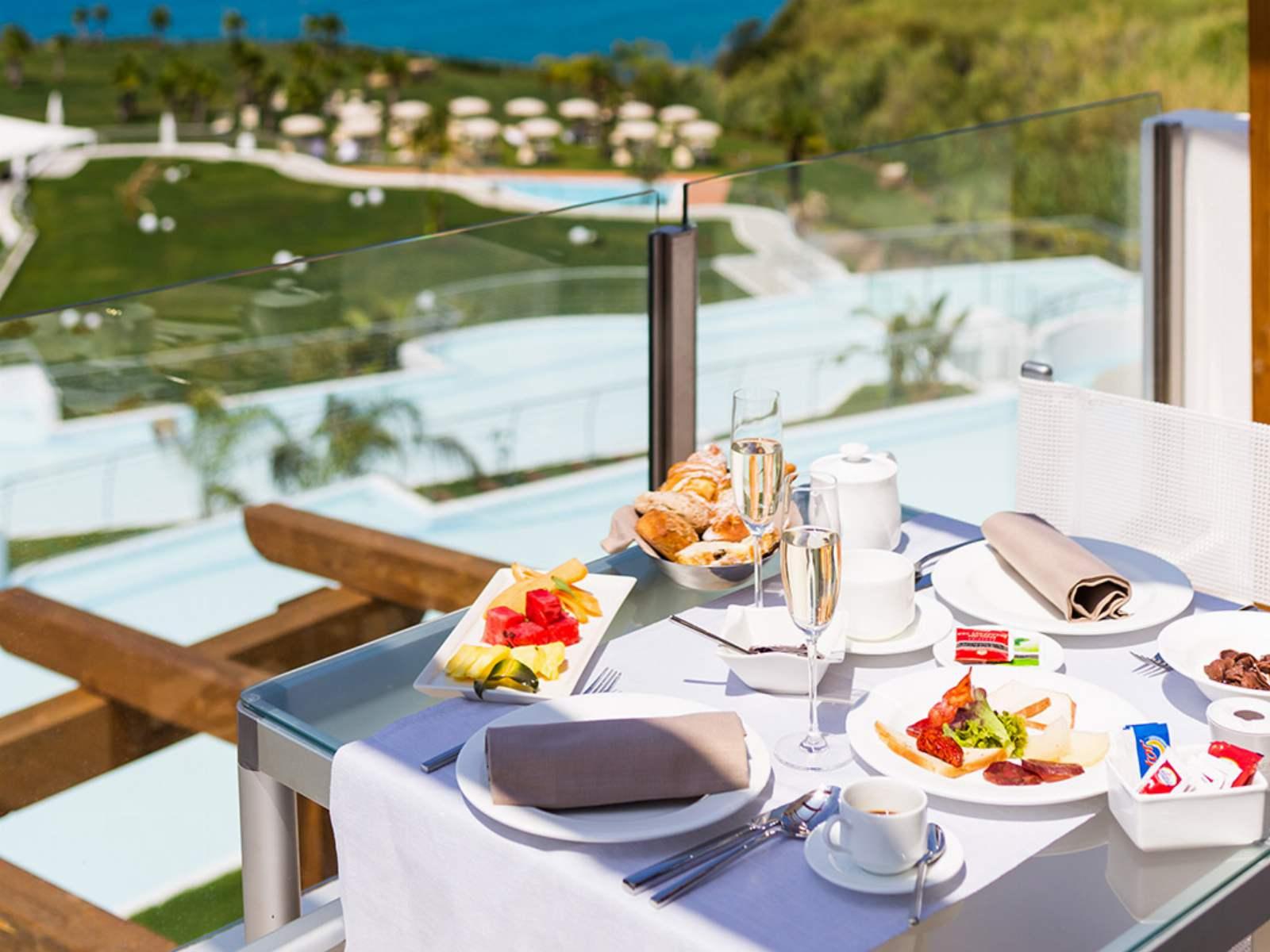 Infinity Resort & Spa: room / property / locale photo. Image 5