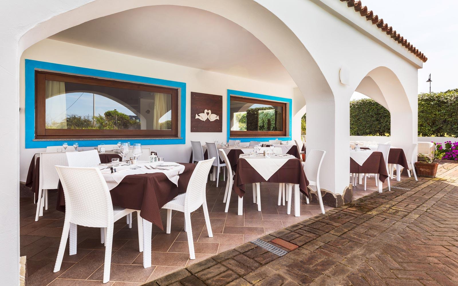 Restaurant Exterior at Hotel La Funtana