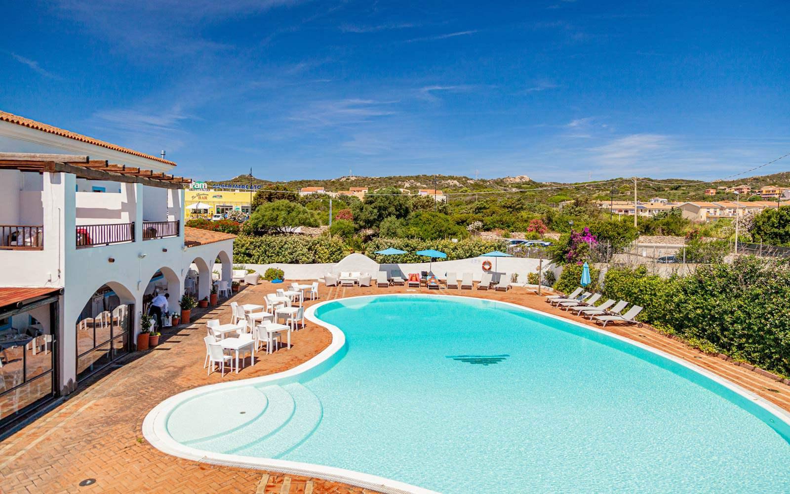 Hotel La Funtana Swimming Pool