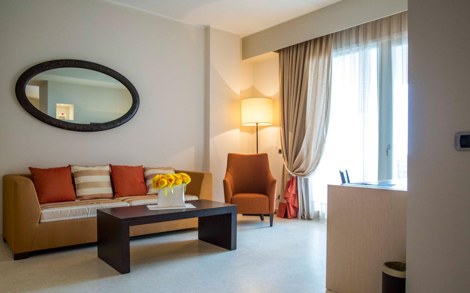 Hotel Marinagri Suite Lounge